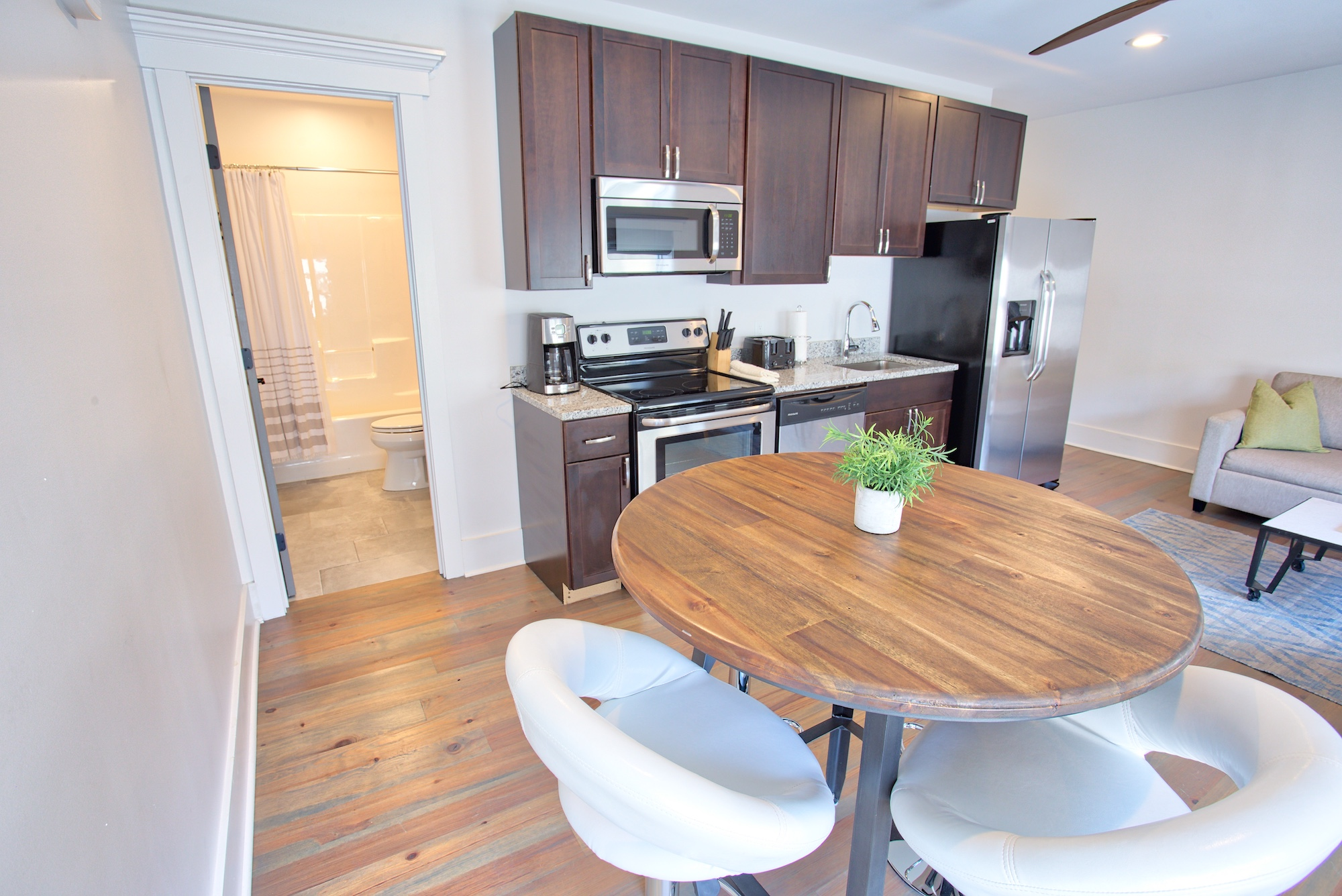 Suite on King Street Charleston SC Vacation Rental The Drayton Suite20.jpeg