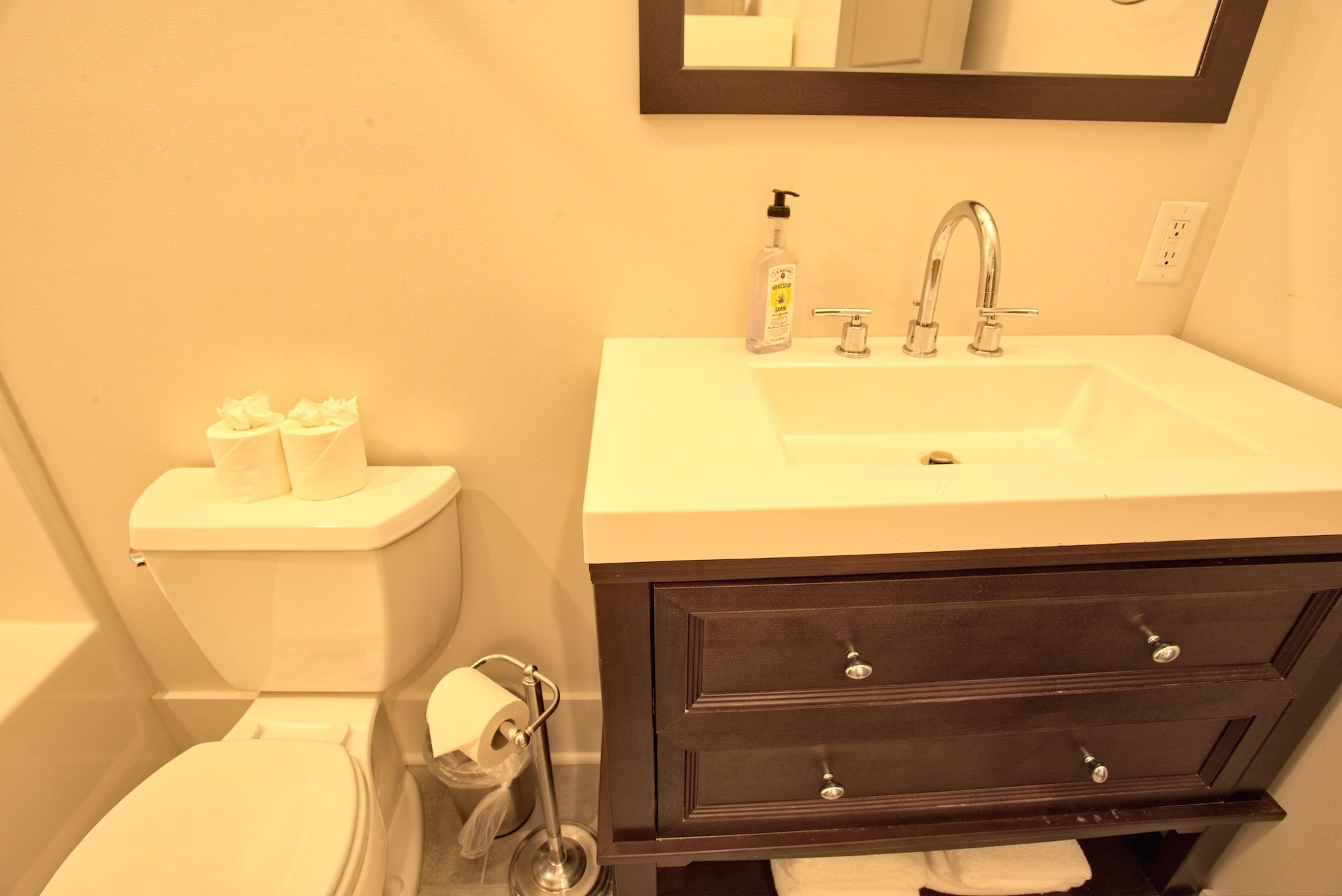 Suite on King Street Charleston SC Vacation Rental The Folly Suite11.jpeg