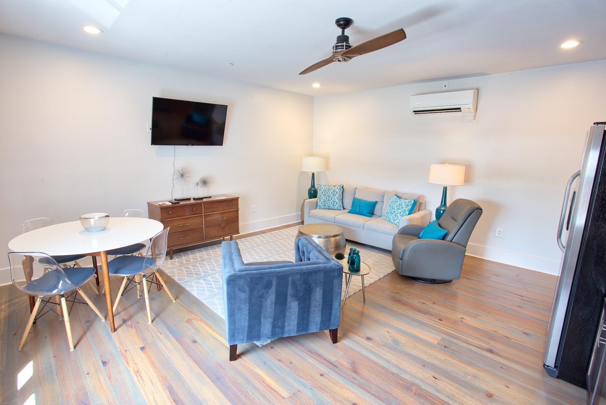 Suite on King Street Charleston SC Vacation Rental The Gullah Suite17.jpeg