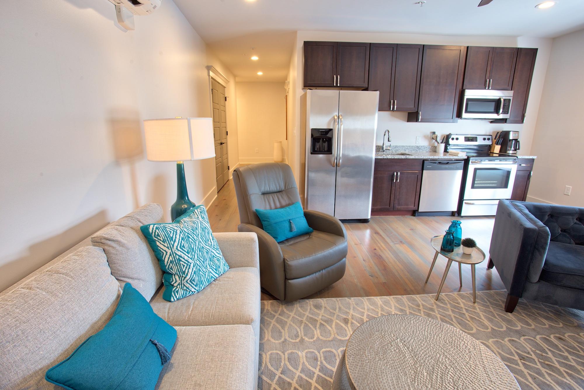 Suite on King Street Charleston SC Vacation Rental The Gullah Suite21.jpeg
