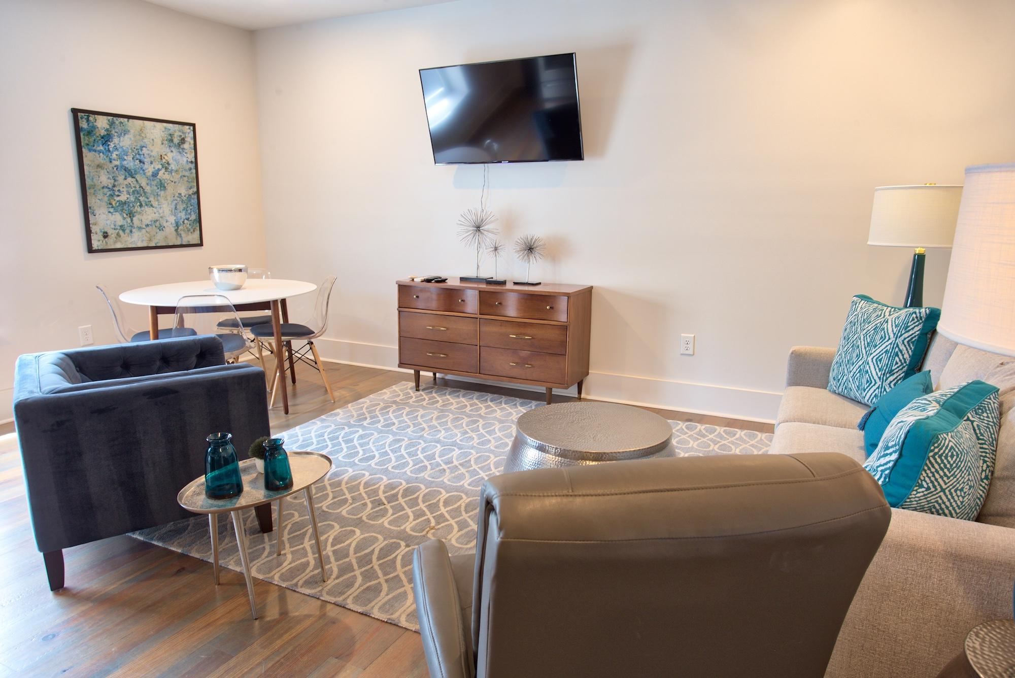 Suite on King Street Charleston SC Vacation Rental The Gullah Suite24.jpeg