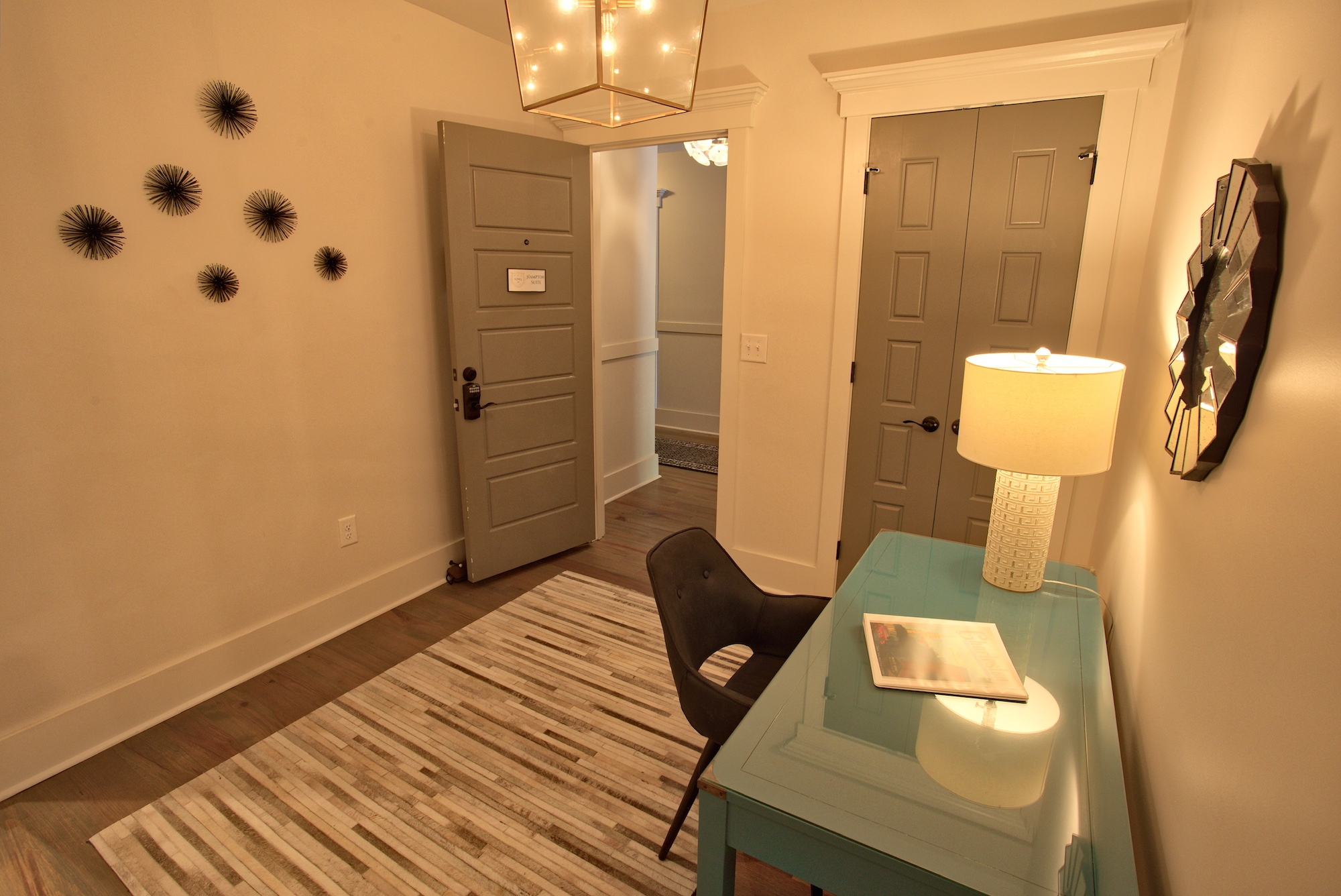 Suite on King Street Charleston SC Vacation Rental The Hampton Suite6.jpeg