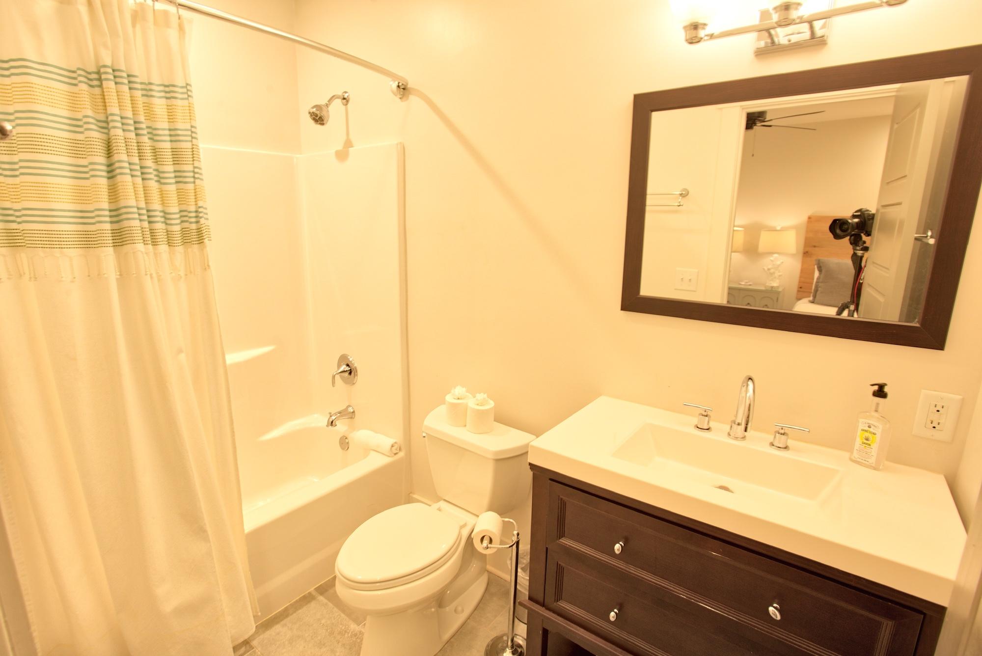 Suite on King Street Charleston SC Vacation Rental The Hampton Suite13.jpeg