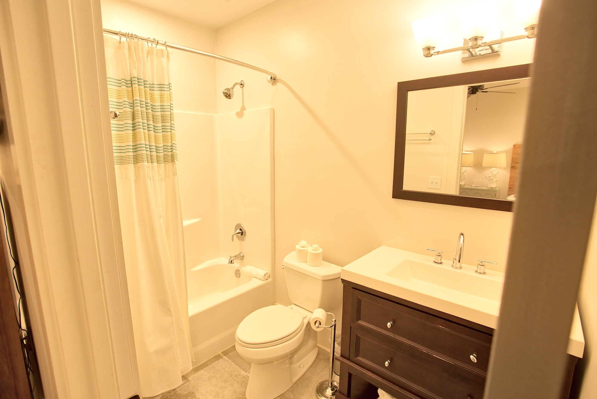 Suite on King Street Charleston SC Vacation Rental The Hampton Suite14.jpeg