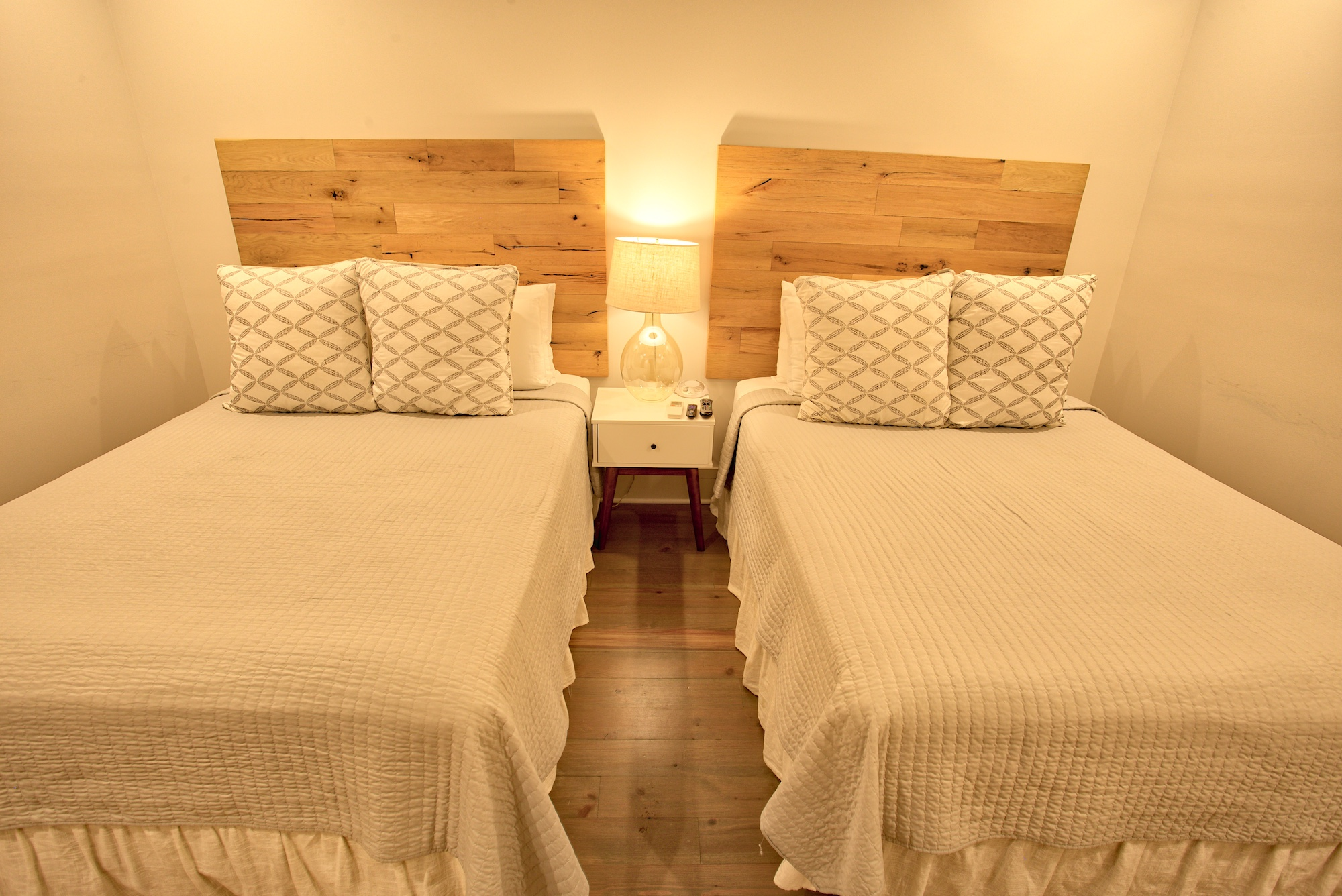 Suite on King Street Charleston SC Vacation Rental The Hampton Suite23.jpeg