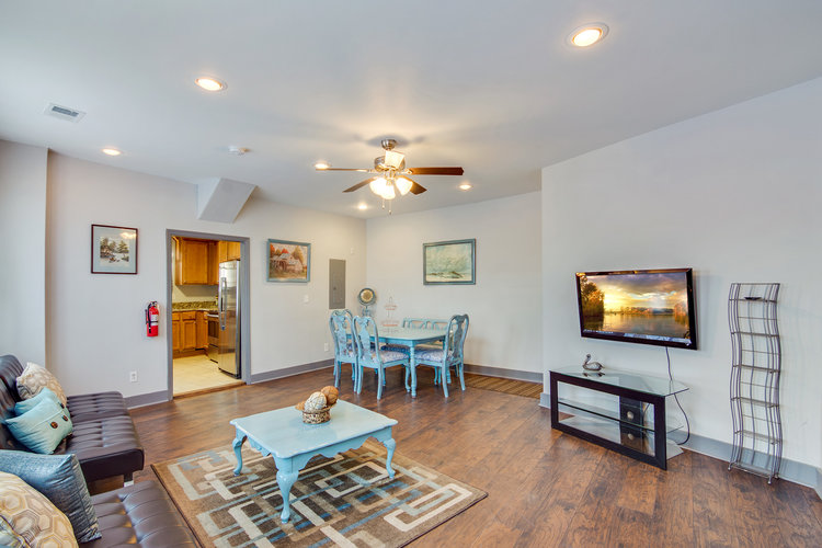 724 C - 2 BEDROOMS - SLEEPS 6AVAILABLE ON A MONTHLY BASIS: NOW