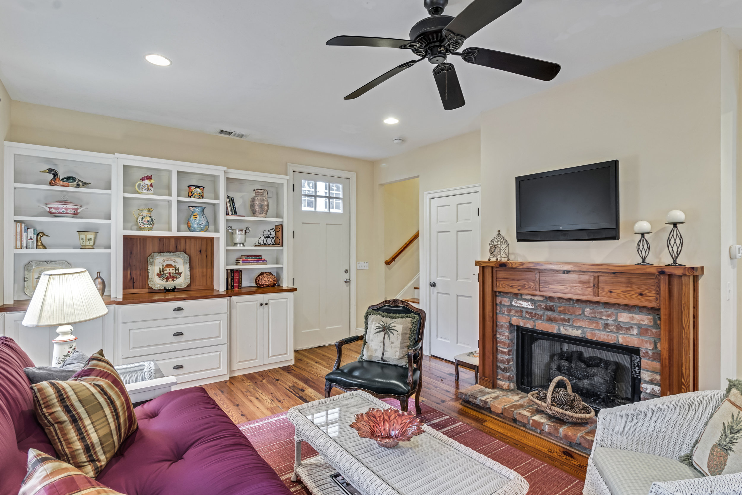 9B - 3 bedrooms - sleeps 6available on a monthly basis: 11/6