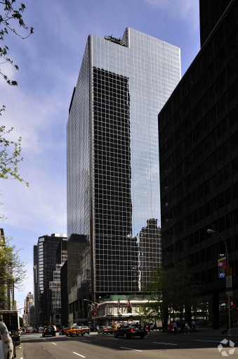 805 THIRD AVENUE. PHOTO: COSTAR GROUP