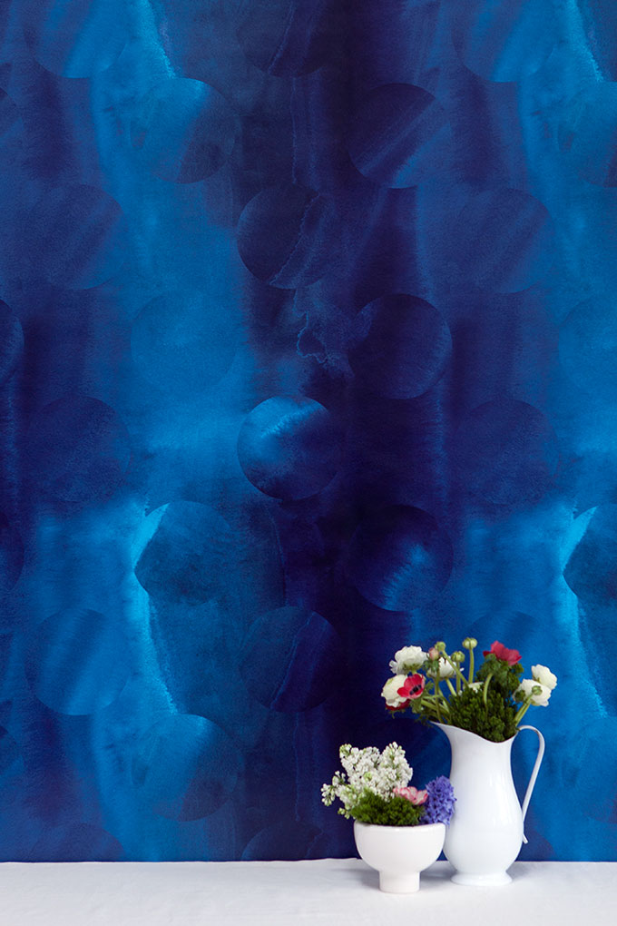 Turritella in Bathyal is a dense ultramarine, navy, and bright blue wallpaper.