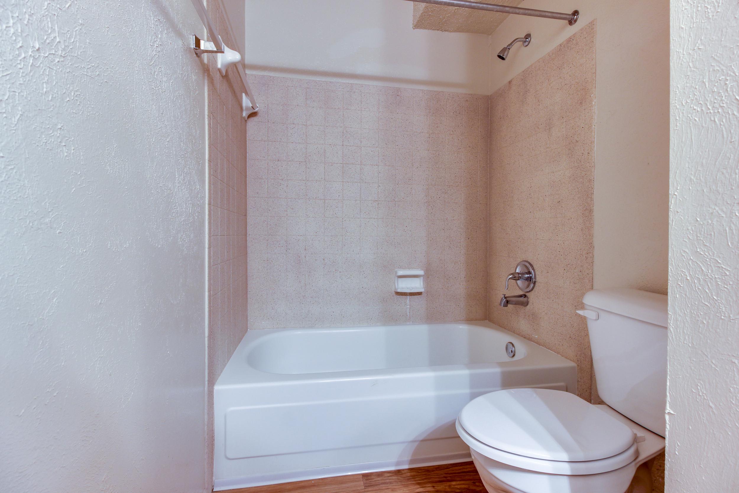 Hickory Lake Nashville Bathroom 2.jpg