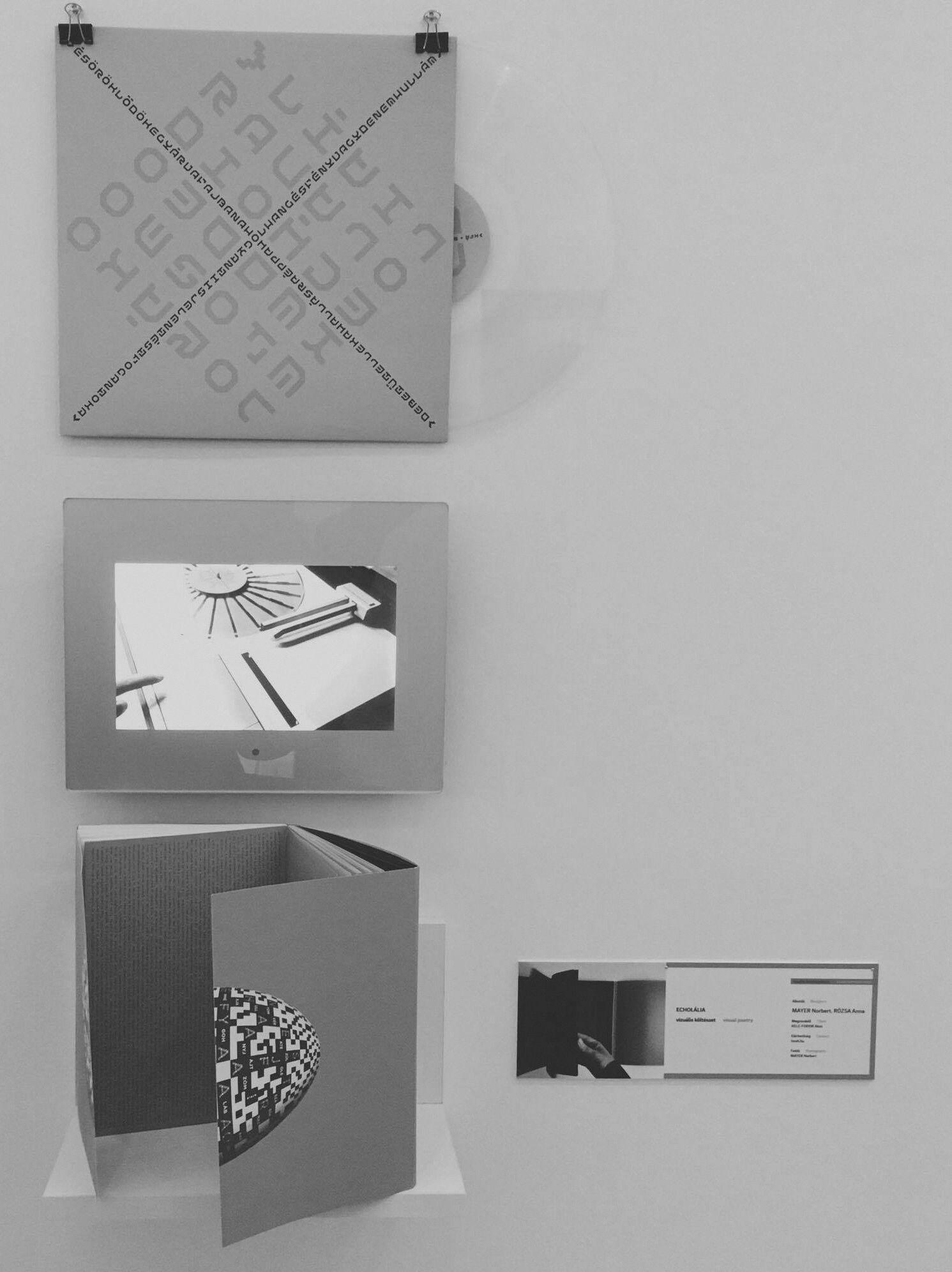 Az installáció> VINYL + SPOT +BOOK