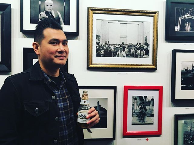 @sd.images next to his photo last night at the @labodegagallery BLACK AND WHITE photography show. #blackandwhitephotography