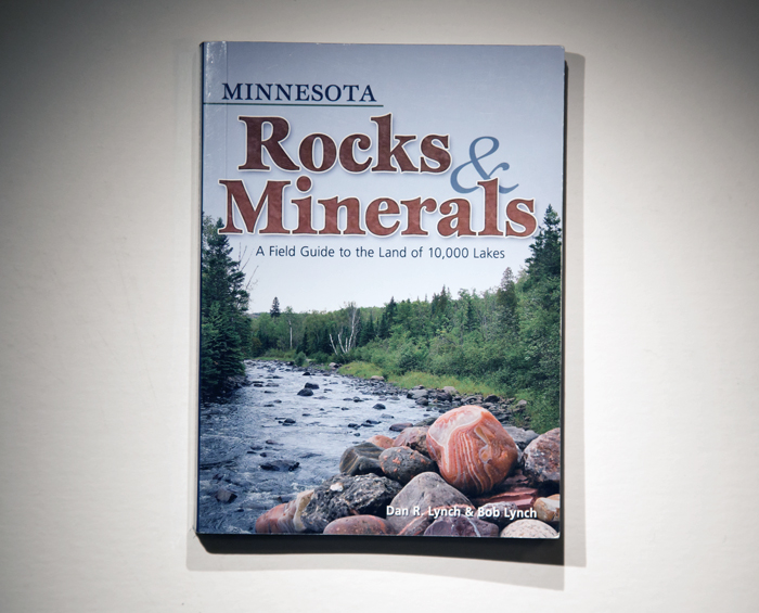 Minnesota Rocks & Minerals, an example of one of our identification guides, covering the entire state of Minnesota including the North Shore.
