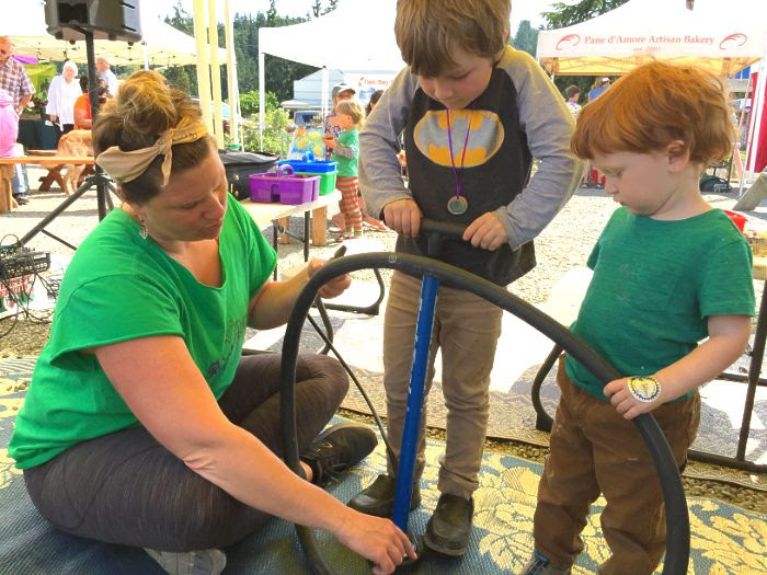 Thank you PT ReCyclery for hosting POP Club last Sunday at the Chimacum Farmers Market. Kids enjoyed learning to change a flat time.