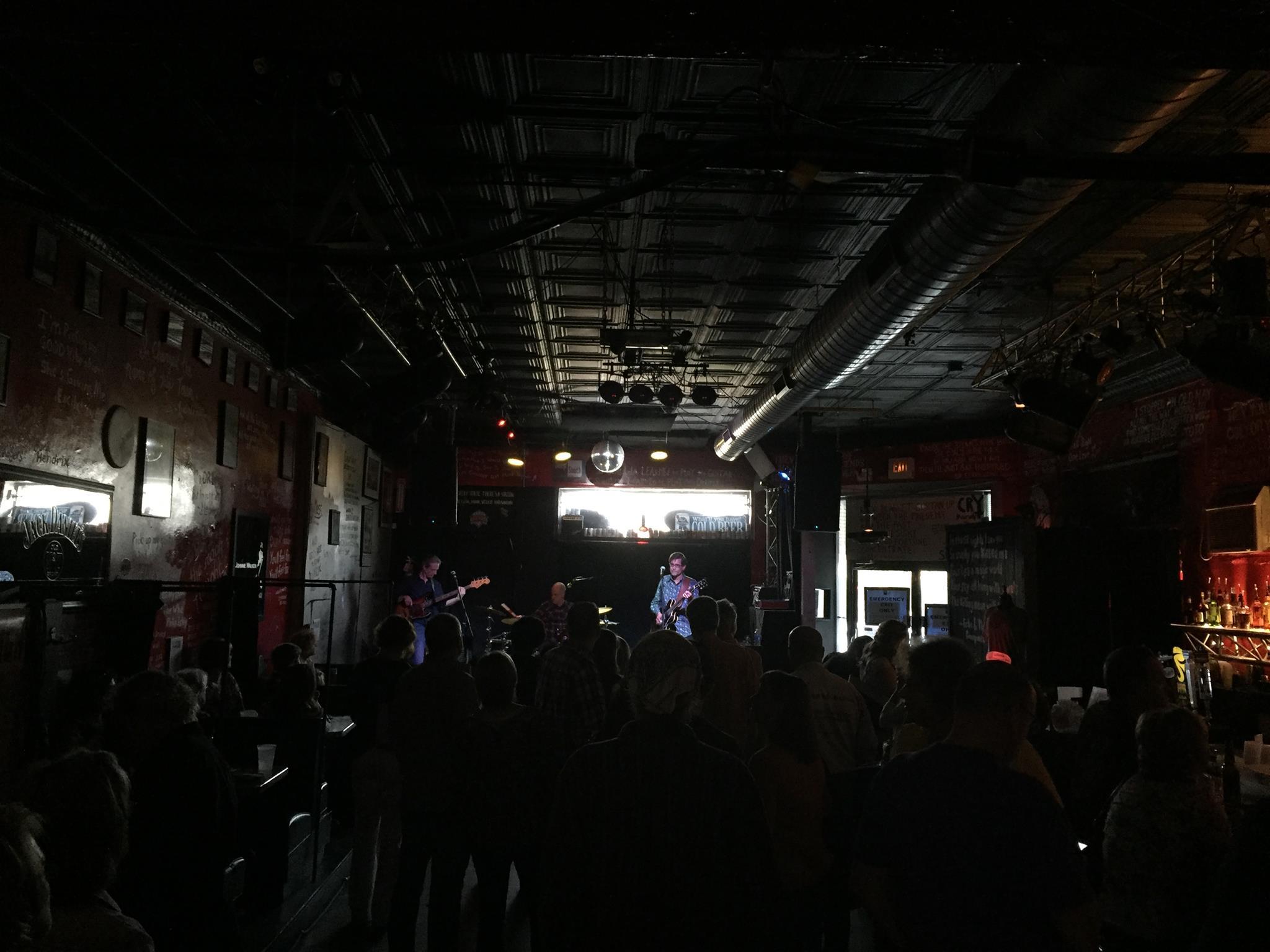 Lemon Sparks Live Photo by J Hart.jpg