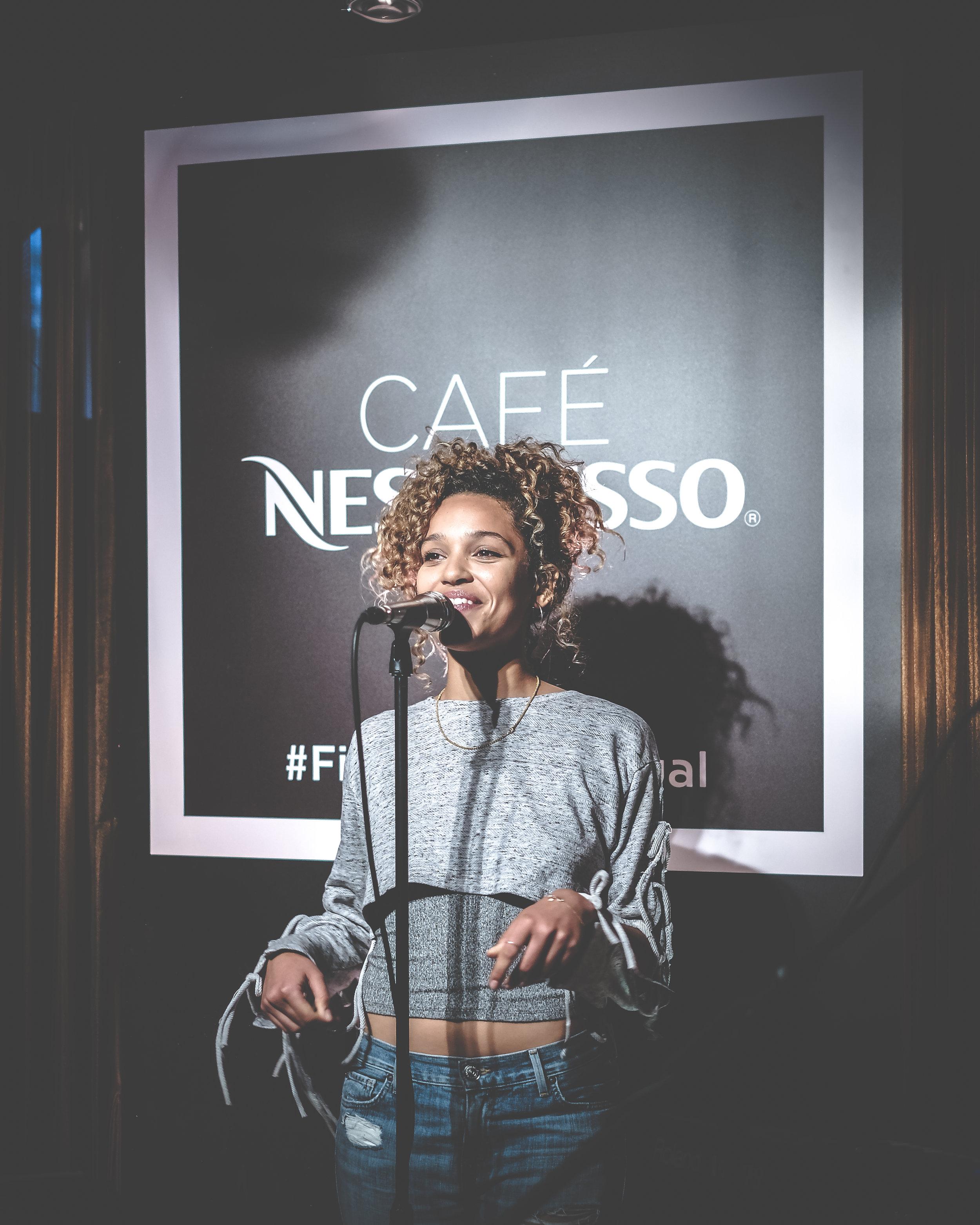 Nespresso Izzy bizu 4.jpg