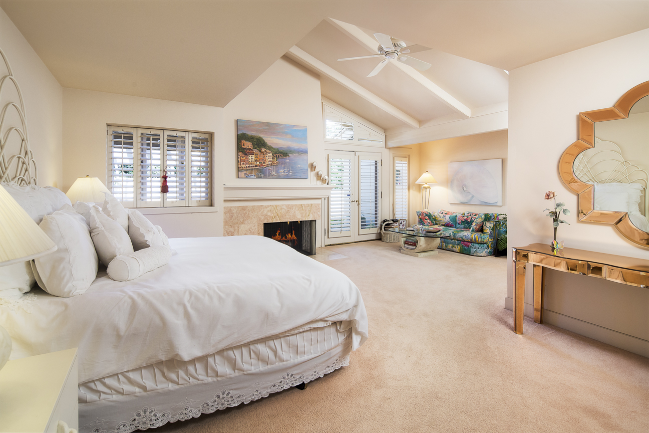 Master Bedroom with Fireplace.jpg