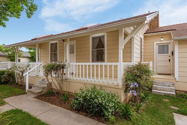 NEW ! Oh the possibilities 😍 check out our new dual living condo unit in Carpinteria tomorrow 10-1 catered with @crushcakescafe breakfast goodies ☕️ 2 🛏1 🛁 + Studio 1 🛁  Rare opportunity in the beachside community of Carpinteria. This charming craftsman originally built in the 1900's has been restored and meticulously kept. Consisting of 2 bed/1 bath main unit & Studio with 1 bath. The main entry offers light & bright living spaces with large picturesque windows. The master bedroom offers walk-in closet plus a nook that would work perfectly as an office or reading room. Jack & Jill bathroom with vintage claw foot tub leads to second bedroom. Old Grove Douglas Fir wall panel accents throughout adds extra charm. Separate entrance studio offers 1 bath plus kitchenette. Complete with a spacious lush green backyard, perfect for gardening or entertaining. Minutes from downtown Carpinteria shops, eateries, trails & beaches.  OFFERED AT $865,000