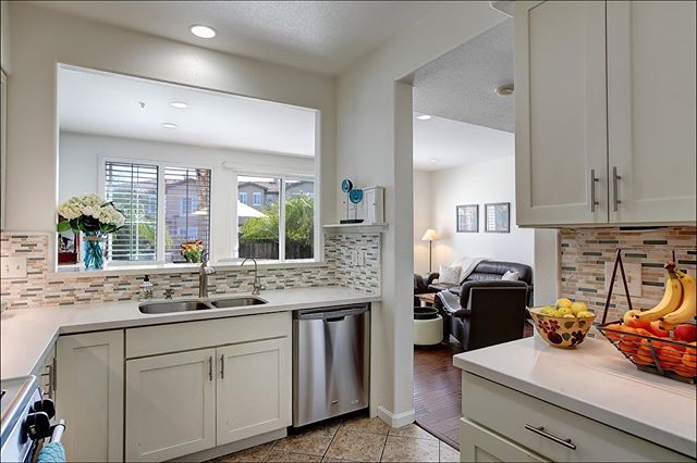 SOLD ⭐️ 554 Poppyfield Place  This beautiful purchase was for a client who was looking to downsize. She scored this 3 bedroom turnkey townhome in the Storke Ranch community in the Goodland of Goleta.  Sold for $790,000 📷: @kristinreneephotographer