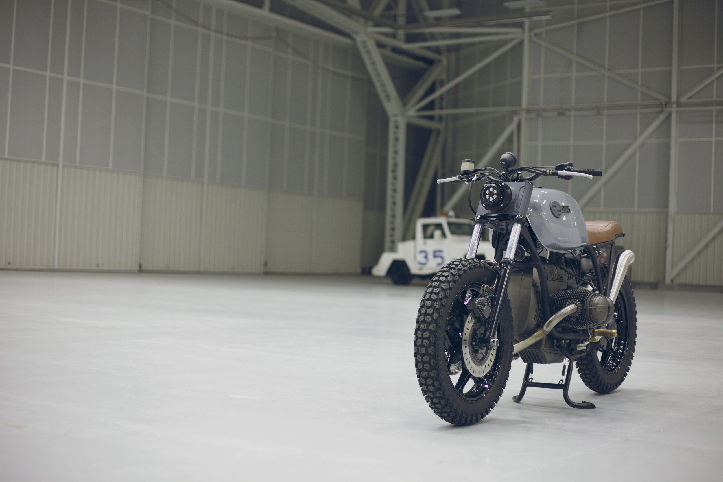 MaffeyMoto_BMW_Hangar_1.jpg