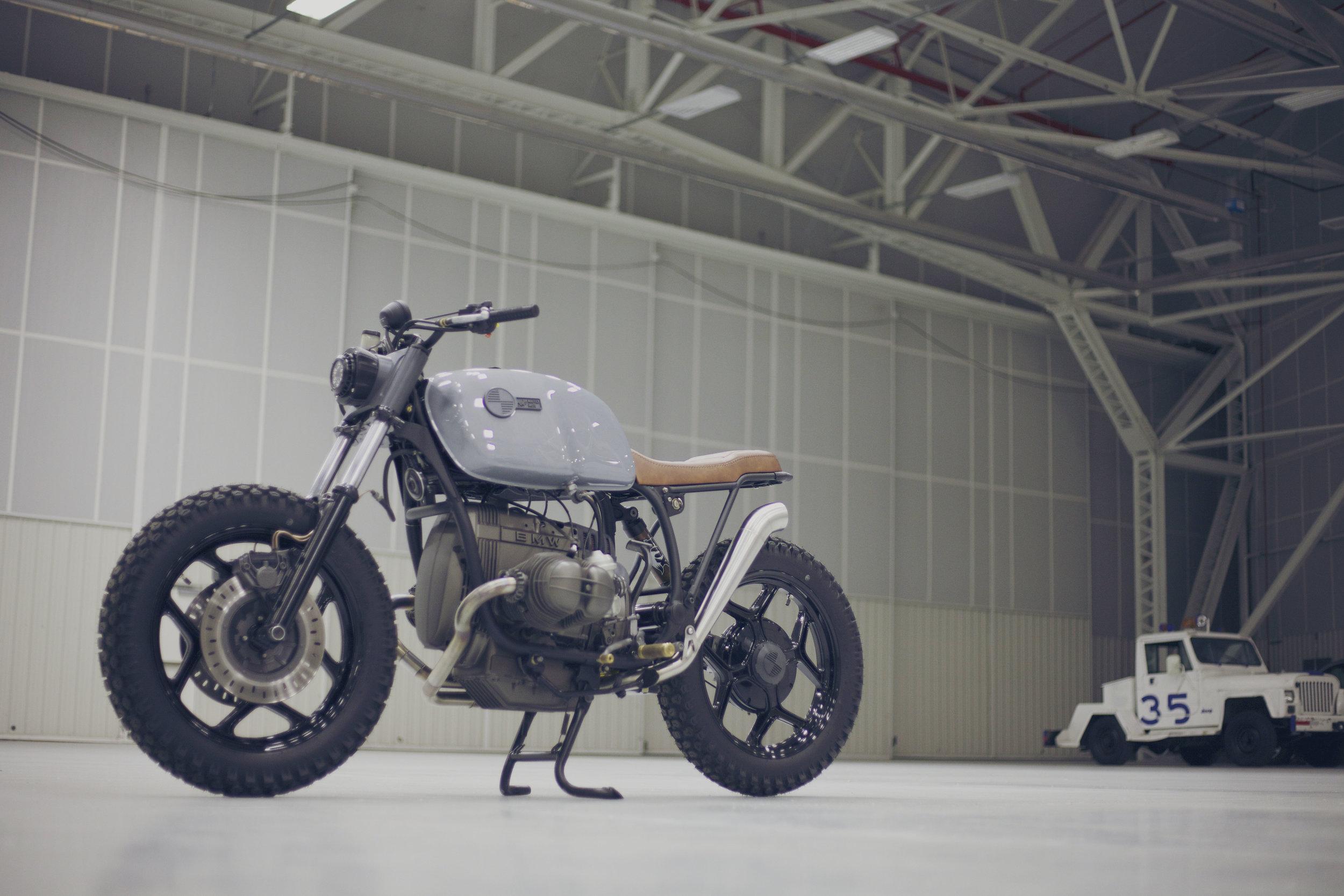 MaffeyMoto_BMW_Hangar_4.jpg