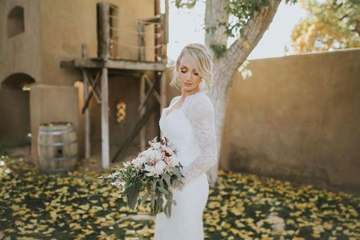 Blonde bride and glam makeup