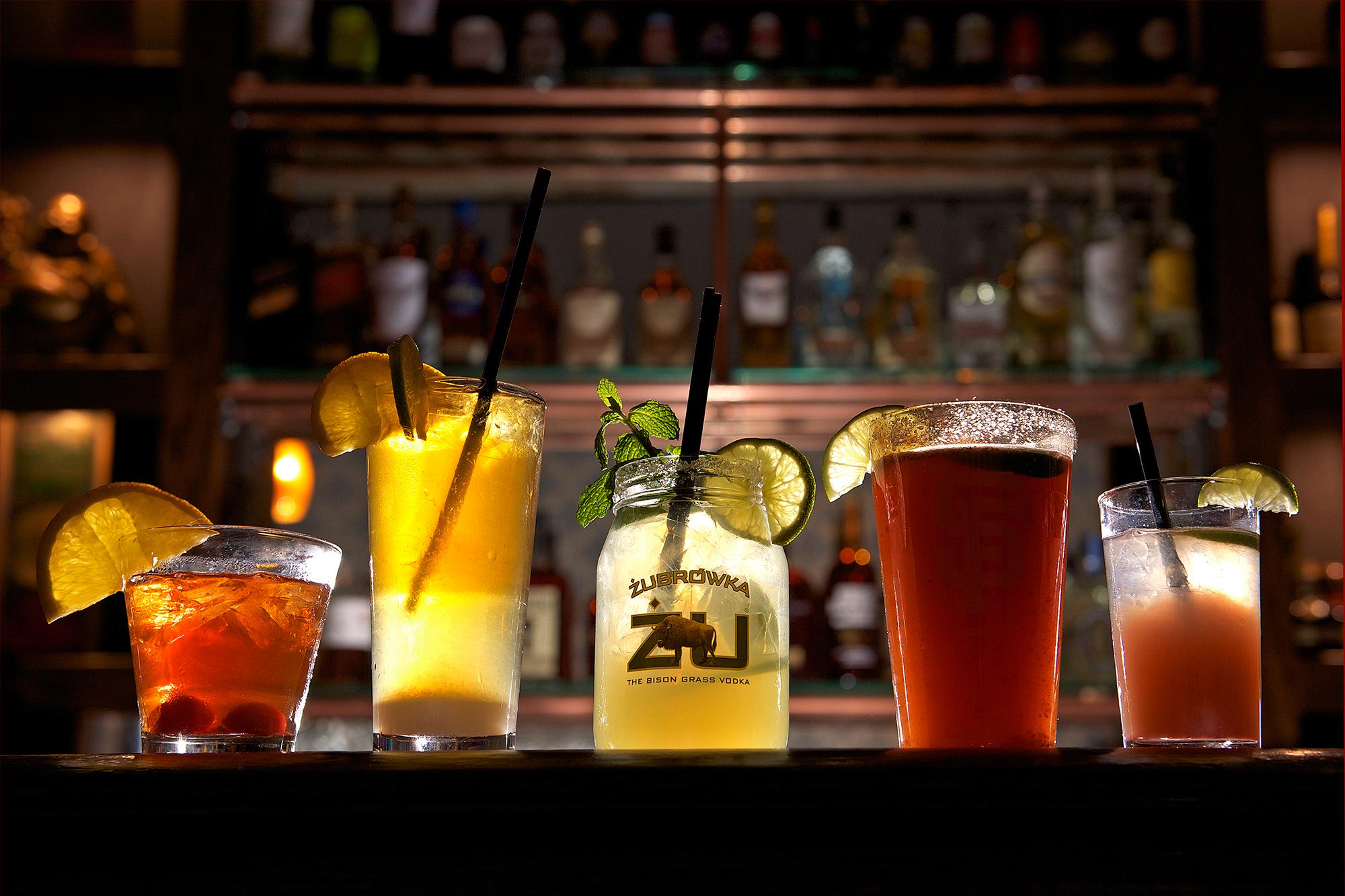 NEIGHBORHOOD SPECIALTY DRINKS   DRINK - PLAY - LOUNGE