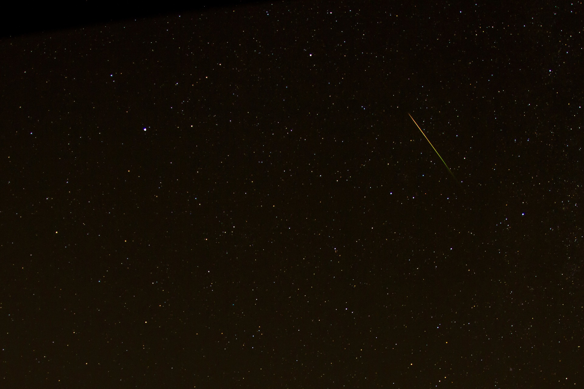 shooting-star-3601173_1920.jpg
