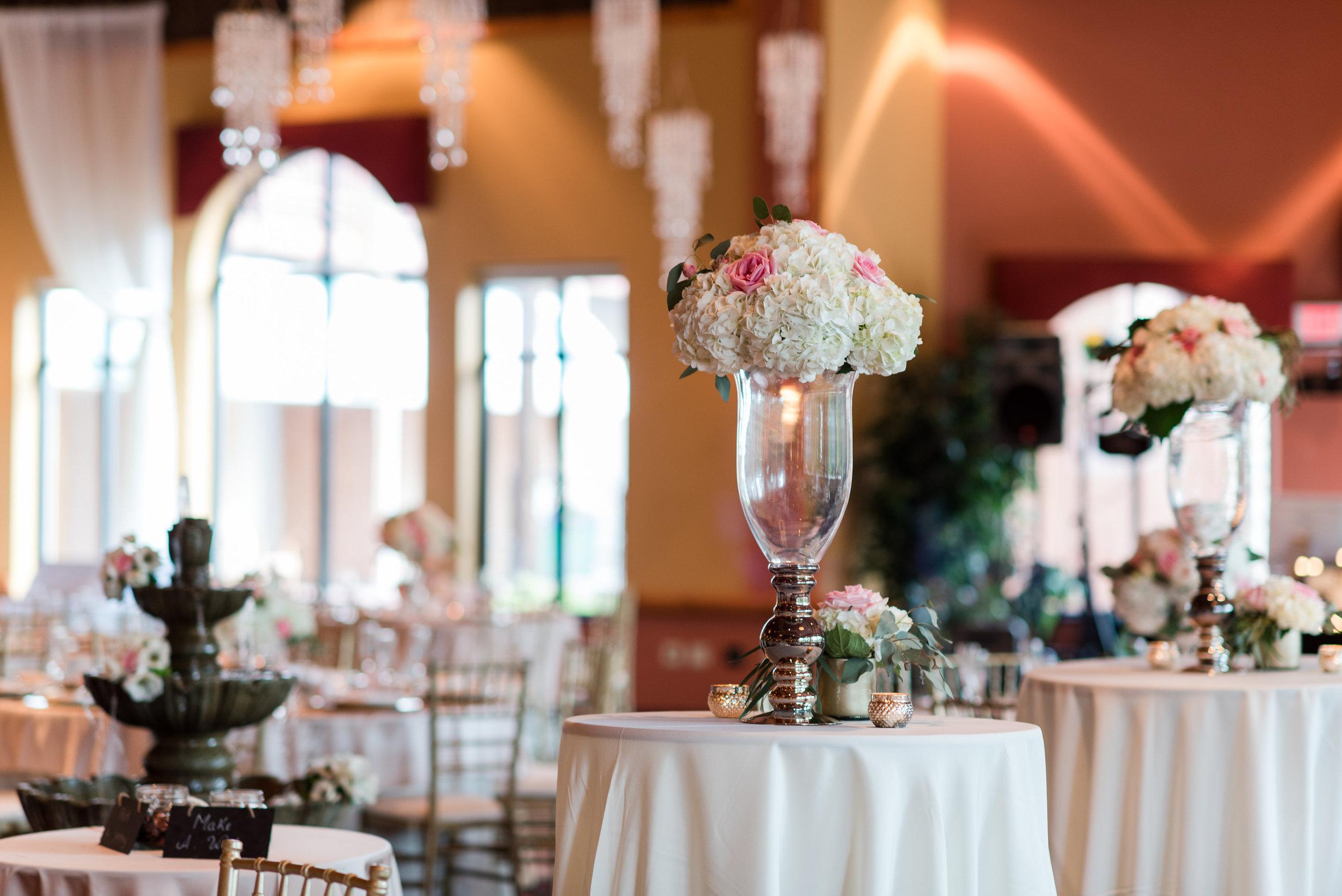Wisconsin dells wedding planner, wisconsin dells wedding florist