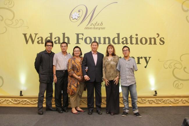 Board of Trustees of newly-formed Pertubuhan Wadah Kuala Lumpur dan Selangor, President Abdul Raof Shan, Secretary Farhani Grace Raof, Members Shahriman Sidik and Zhariff Muhammad.