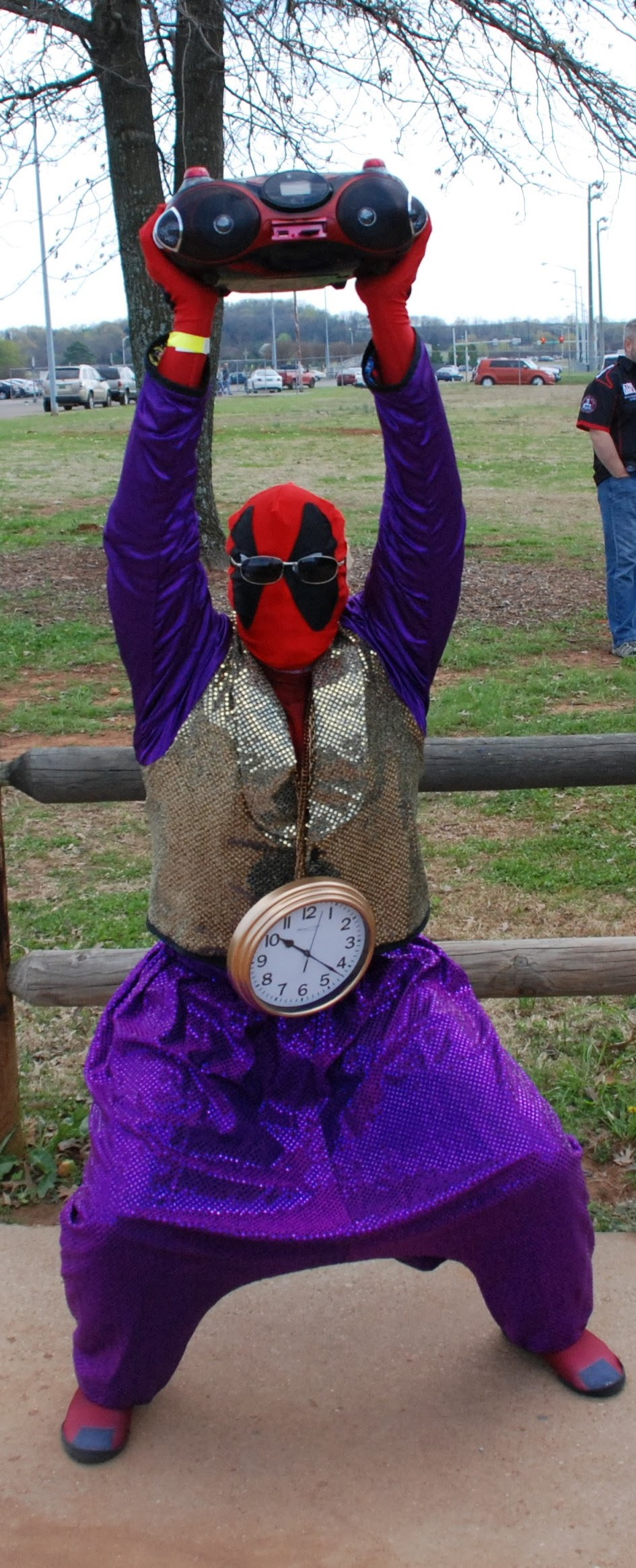 """Deadpool arrives to bring some """"Gangnam Style"""" to the Expo!"""