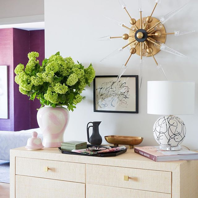 Did you lovelies take in my whole @oneroomchallenge !? As it's a small apartment, I designed our entry, living/dining area, and bedroom because to maximize the impact of transforming a tiny rental. Here's our entry, the gorgeous @ballarddesigns Adele chest holds everything our kitchen can't, and this stunner of a sconce by @hudsonvalleylighting packs a major punch! @lindseabrown did an amazing job of giving a sneak peek into our bedroom with the rich @pacific_designs_intl grasscloth and custom Ballard bed (post on it to come)! If you haven't taken the whole tour, I so hope you do, lots of details to take in, link in profile! #oneroomchallenge #bhgorc #myhome #brushstrokegingerjar