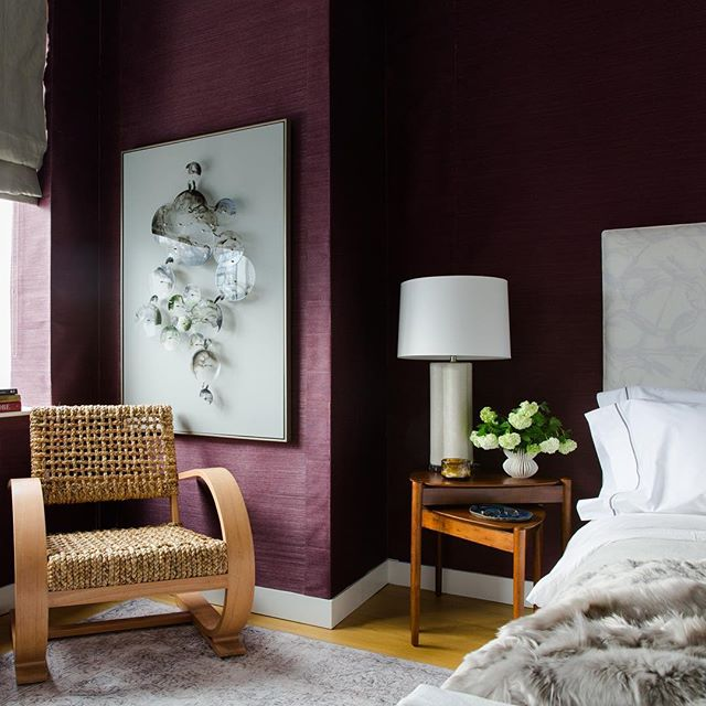 Delighted to be taking over @wisteriahomedecor 's IG stories today! Their pieces are highlights in our new Brooklyn apartment, including this gorgeous French modernist chair! Doesn't it pair beautifully with the plum @pacific_designs_intl grasscloth!? Head to their stories for the tour and helpful small space design tips! #oneroomchallenge #myhome #wisteriahomedecor #janabekdesign 📷 @lindseabrown