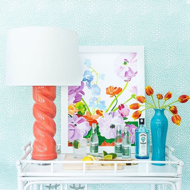 Twist & shout it's Friday & officially summer! Cheers to the weekend (and our twist lamp being available in 15 beautiful colors) swipe for full palette! Wishing you a great one! #twistlamp #madeinamerica #shopsmall 📷 @martaxperez