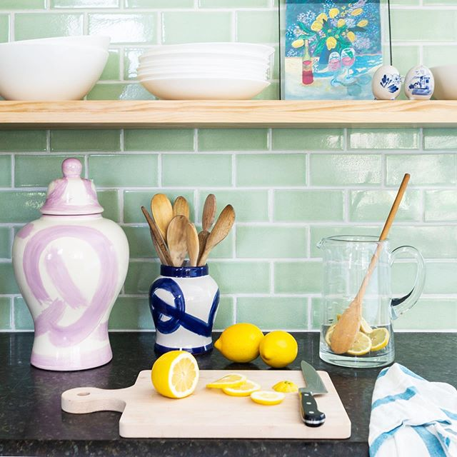 Over here making Mondays into lemonade! Hoping your week is off to a sweet start! (@bolandlorddesign can't wait to see what you have in store for our lilac jars!) 🍋🍋🍋 #brushstrokegingerjar #myhome #janabekdesign 📷 @martaxperez