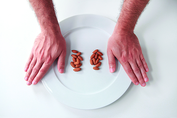 Precision-Nutrition_Palm-Sized-Portions_Nuts-Example_Male1.jpg