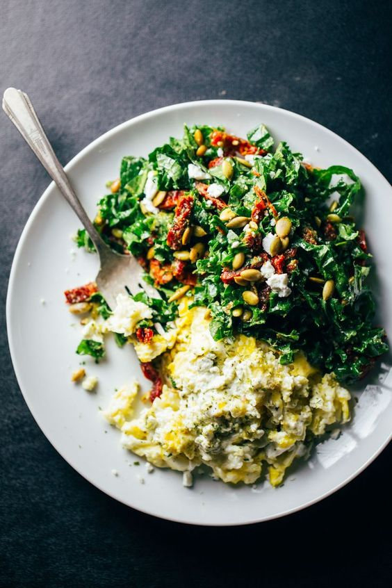 SCRAMBLED EGGS WITH GREENS