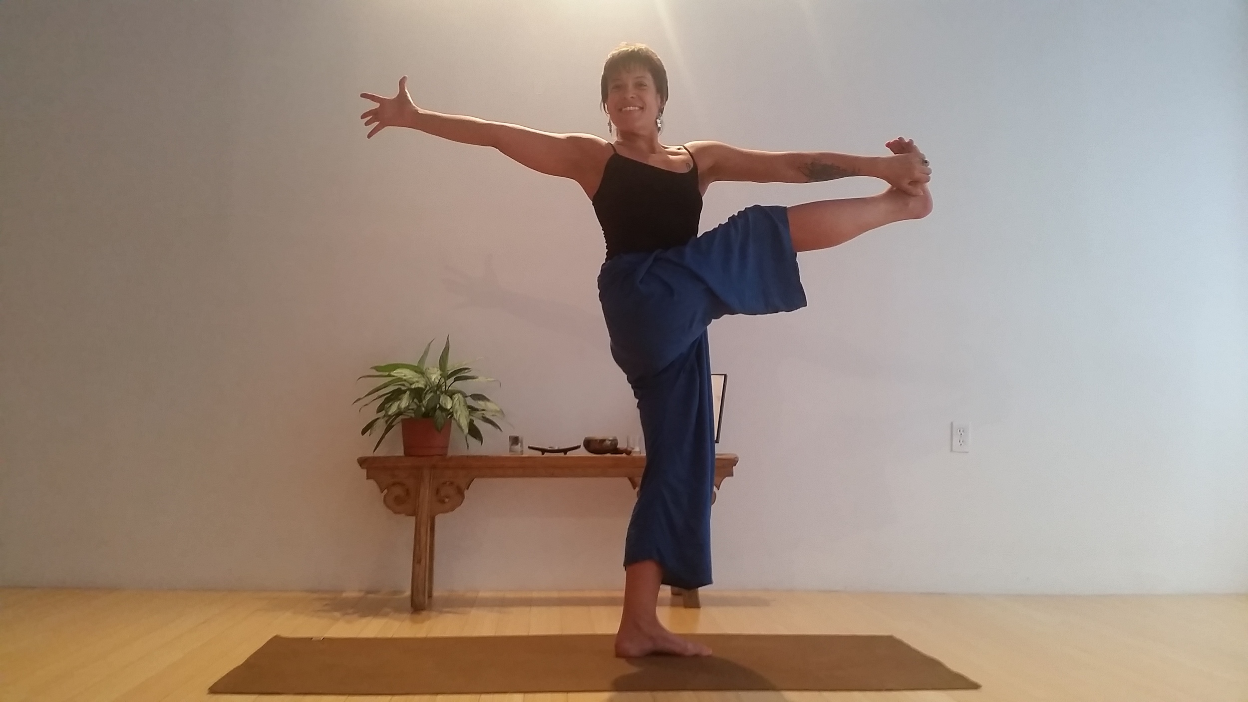 Standing Balancing Twist