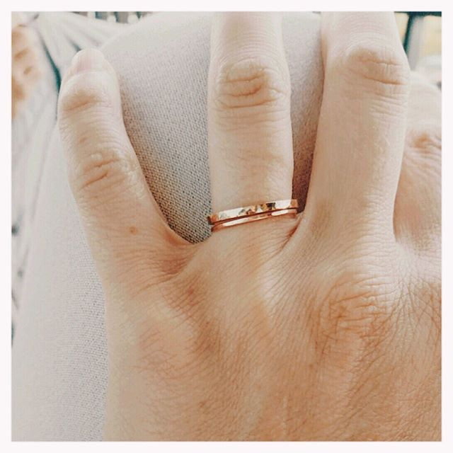 Some sneak peaks behind Heirs' busiest wedding season to date. I loved working with this gorgeous couple for their wedding bands. The bride's hammered rose gold ring really dances in the light. It has a unique form that allows her to wear it as pictured and also flipped - gently curving around her baguette diamond engagement ring. #madetomeasure 📸 belle & sass  #beautifulbride #weddingbands #customrings #goldrings #weddingrings #handmadejewelry #madeinvienna #hammeredrings #showmeyourrings #wedding #mrandmrs #lovewhatido #ring #ringinspiration #ringinspo #ringsofinstagram #bride #truelove #heirsaccessories #austria #austrianwedding #weddingseason #togetherforever