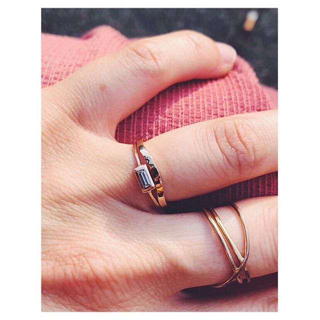 ... fitting a wedding band snuggly around a geometric engagement ring is never easy... but the versatility of this ring's organic form is playful and pretty. (As I mentioned yesterday it can also be flipped if she wishes to wear it as a classic band some days) . . . . . #heirsaccessories #wedding #bridaljewelry #rosegold #weddingbands #weddingband #finejewelry #organicrings #organicrings #bride #jewelrygram #jewelry #jewelrybox #madeinvienna #madewithlove #weddingringinspo #unique #uniqueengagementring #mrs #ido #lovewhatido #ringstack #rings💍 #gold
