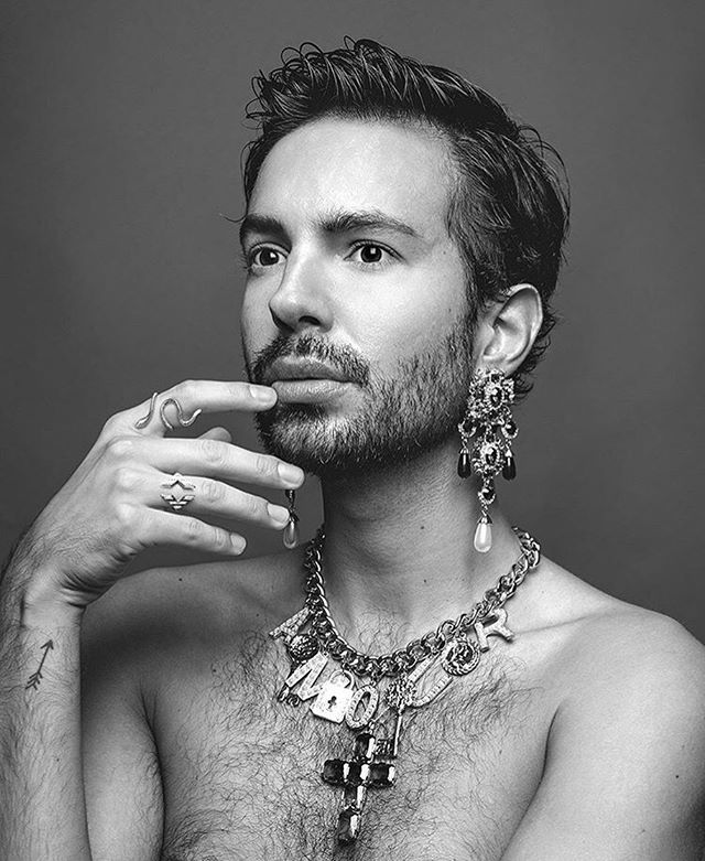 Be sure to check out the gorgeous @miopaternoss in Miss Magazine this month featuring our stripy Celeste signet ring.  #contemporaryjewellery #timelessjewelry #mensjewellery #blackandwhitephotography #bedazzled #diamondsareaboysbestfriend #heirsaccessories #highendjewelry #jewelryinspiration #showmeyourrings #showmeyourjewelry #rings #signetring #jewelrybox #jewelryaddict #finejewelry #jewellerylove #madeinvienna #igersvienna #fashionmaniac