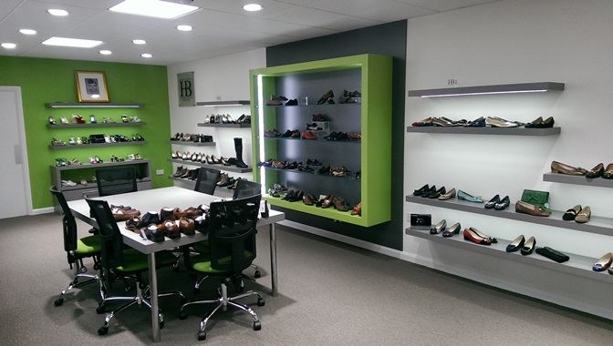 Meeting and showroom construction and unitary