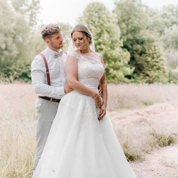 Aimee and Dan got married at the lovely Timbers Country Lodge in Norfolk