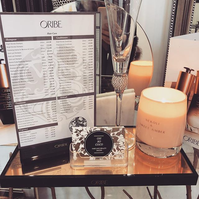 Sit back and relax with a complimentary glass of 🍾 and a luxurious wash a blow or updo to finish 💆🏽‍♀️💁‍♀️ . . . . #cobham #blowbar #blowdry #updo #events #medicinegarden #relax #indulge #pamper #oribe #oribeobsessed #oribehaircare #oribehair #washandblowdry #styling #stylist #love #hairstyles