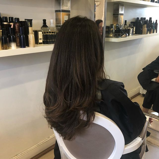 Colour refresh Cut & Blowdry = Good hair day 💥 . . . #oribehair #cobham #medicinegarden #love #colourrefresh #healthyhair #oribehaircare #luxuryhaircare #blowbar #hairsalon #oribeobsessed #blowdry #stylist #loreal