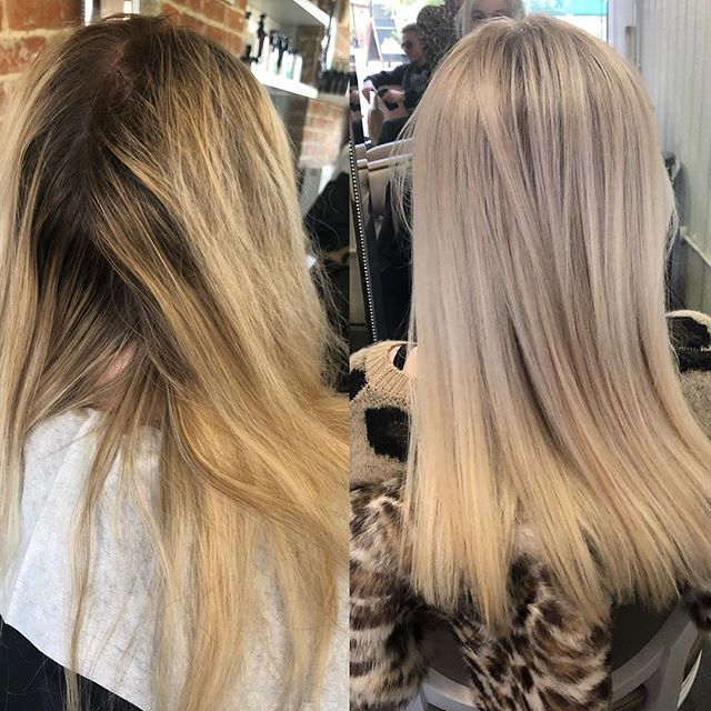 Bye bye old brassy highlights 👋 . . . #freshhighlights #haircare #olaplex #oribehair #salon #newhair #beforeandafter #transformations #hairlove #haircolor #hair #cutblowdry #fullheadfoils #brassyhair #haircolorist #stylist #themedicinegarden #ohsococo #hotd #loveyourhair