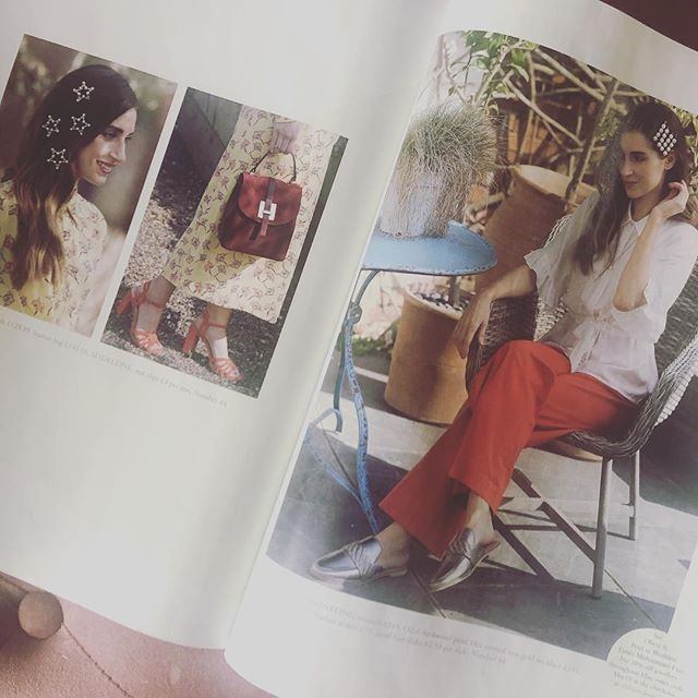 Make sure you get your hands on this months copy of @surreyhomesmag @wealdentimes hair by moi 💁‍♀️ Make-up by @kerrylumakeup . . . #teamwork #photoshoot #fashionshoot #hats #accessories #styled #hotd #hair #makeup #fashion #shooting #themedicinegarden #ohsococo #salon #boutique #hairstyling #updo  #hairjewels #springtrends2019 #designer #makeupartist #mua #undonewaves #ponytail #effortlesslychic #styledhair