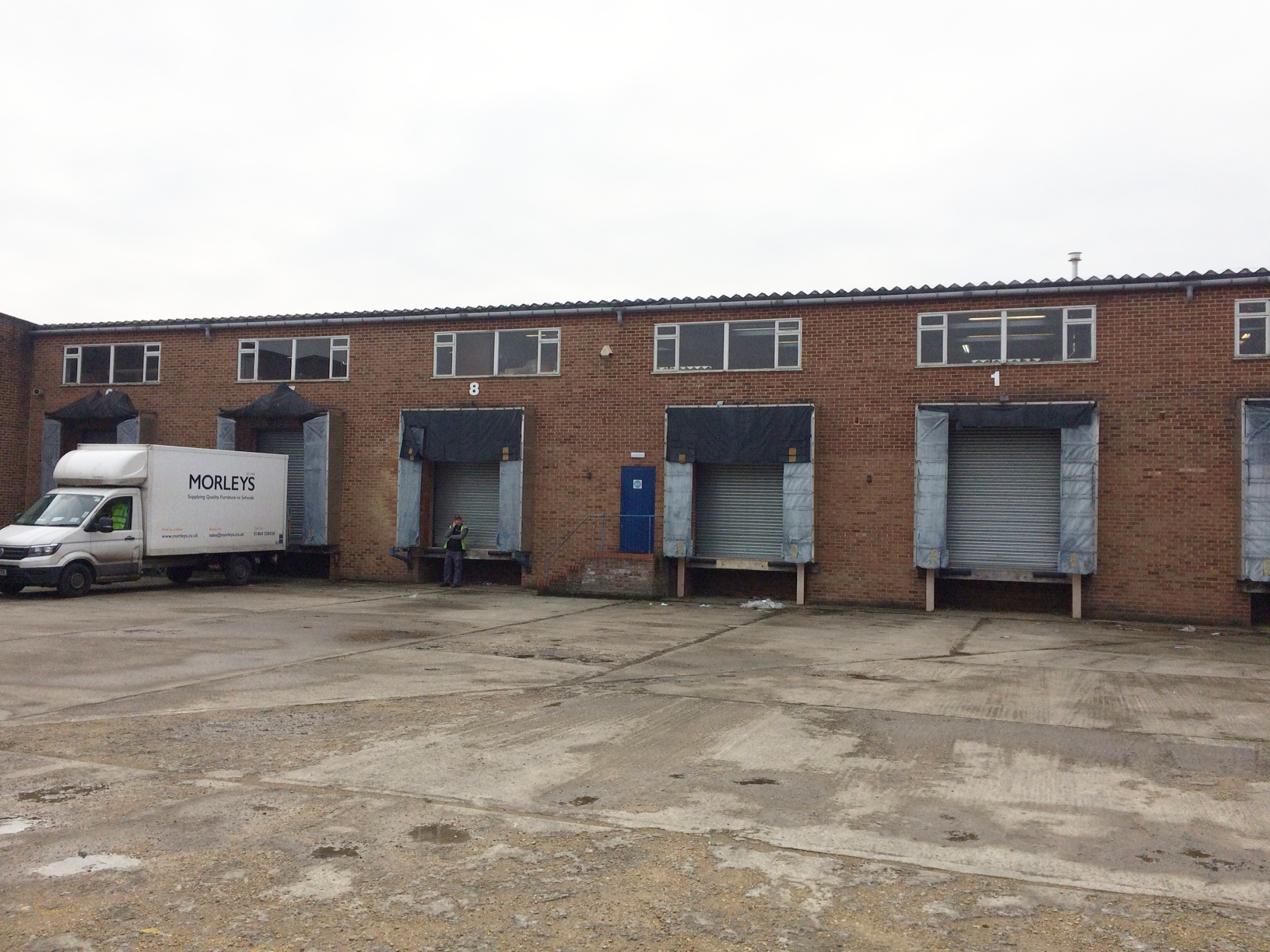 Industrial Unit to let in Bicester