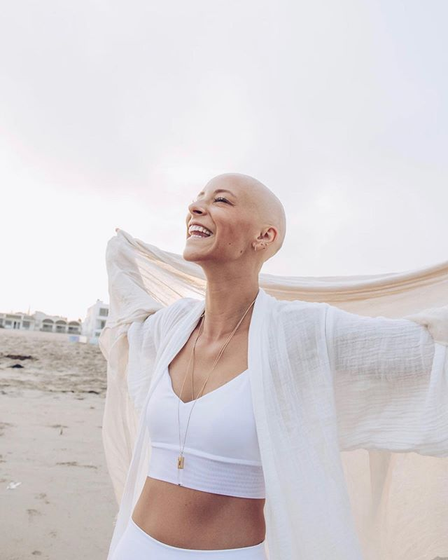 Hello weekend! Can't wait to see what you have in store. #wellness #yogi #lifestyle #lifestylephotography #canonusa #availablelightphotography #sunrise #alopecia #naturalbeauty