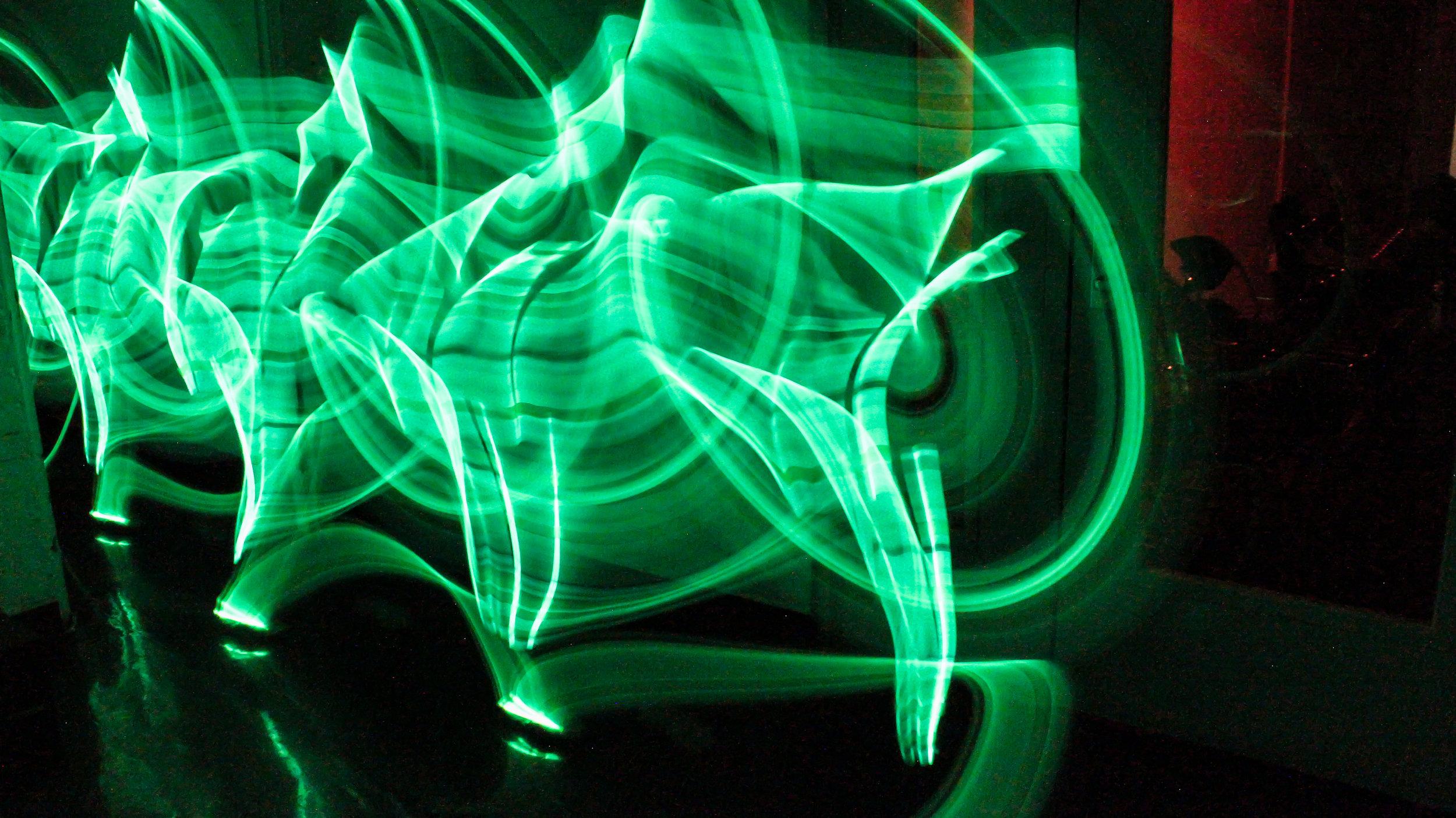 rant_chronophotograhy_glowstick1.jpg